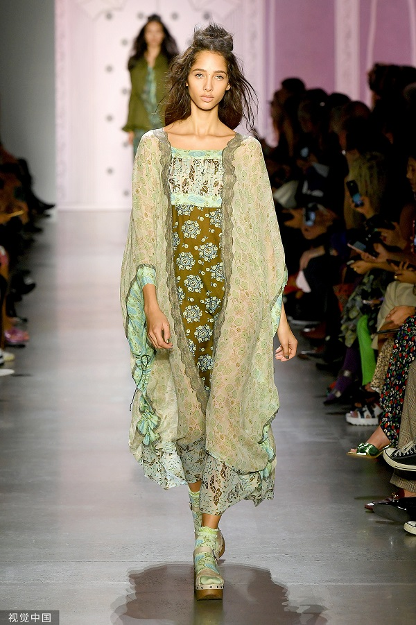 2020春夏纽约古装周 Anna Sui 秀(图片回流 瞅觉面国)