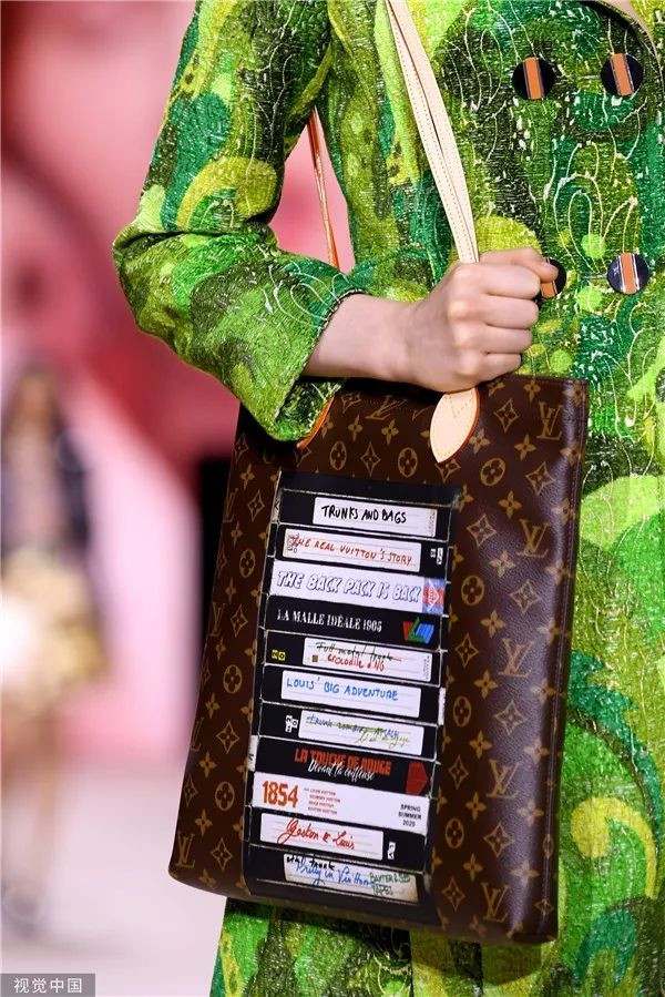 Louis Vuitton 2020春夏秀场细节(图片来源于视觉中国)