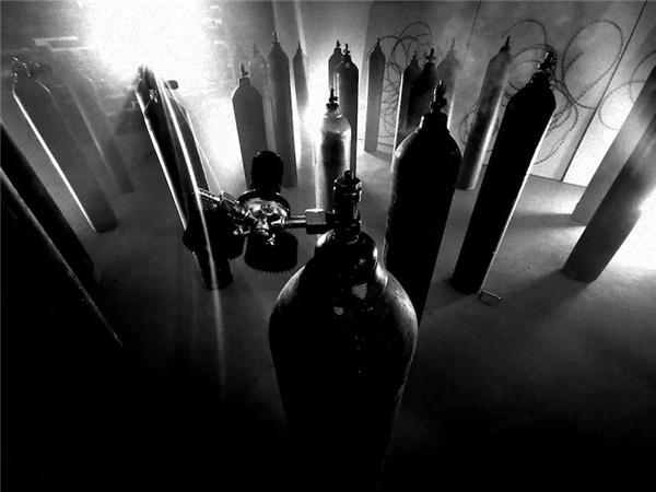 艺术家王璜生装置作品《呼吸》(图片来源于品牌)