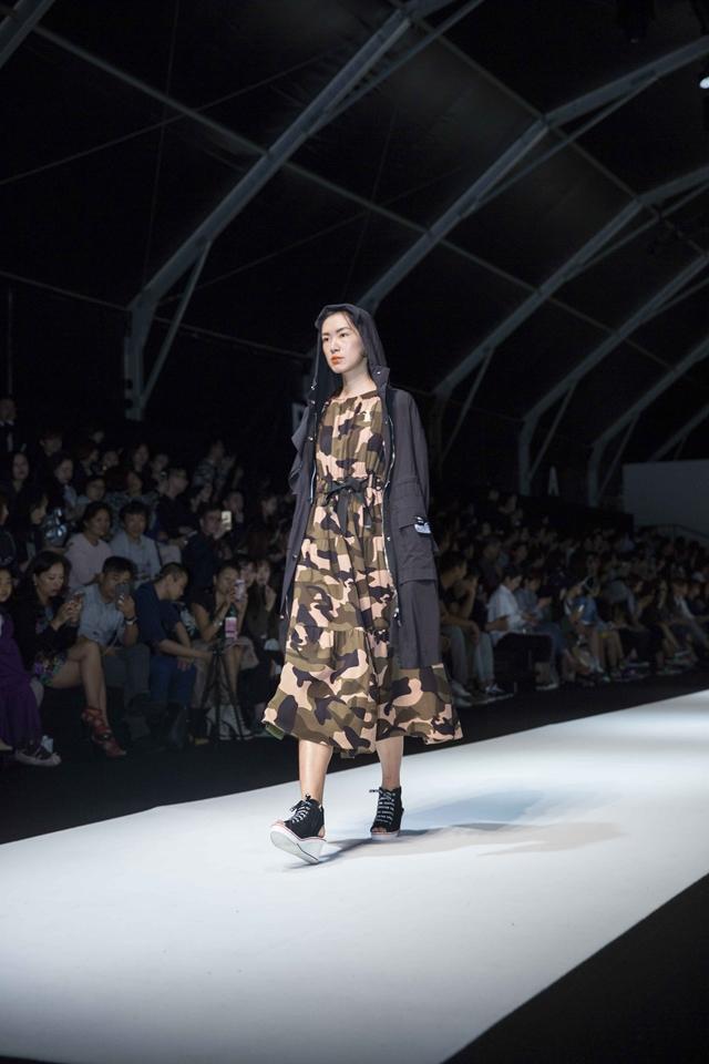 独立设计师品牌唐晓芙SS17上海时装周的首秀