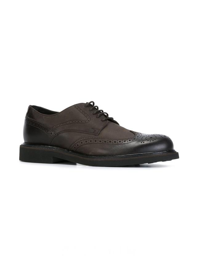 TOD'S 褐色牛皮经典布洛克鞋,$283。