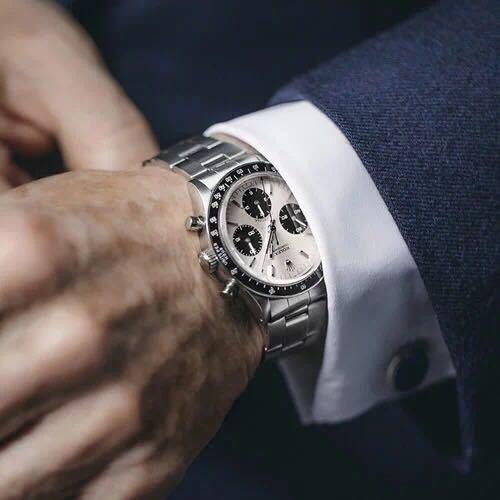 这4块表戴着帅2年 当二手卖掉还赚10万?